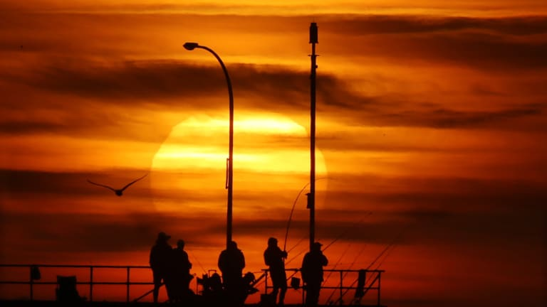 A sea breeze looks set to save Melburnians from the most extreme weather, but the city will still face a hot week while the rest of the state swelters.
