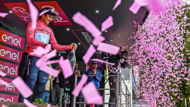 Ecuador's Richard Carapaz kept his hold on the pink jersey after the 17th stage of the Giro d'Italia.