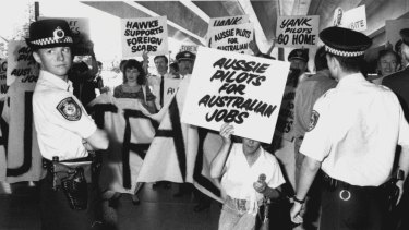 Pilot strike supporters, February 19, 1990