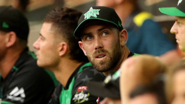 Glenn Maxwell looks to the scoreboard after his dismissal during the BBL match final.