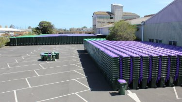 Hobsons Bay Council to introduce glass recycling bins from February 1.