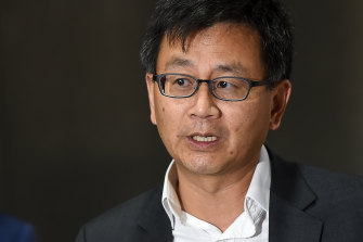 ATAGI's co-chair Professor Allen Cheng took to Twitter to explain why the committee put the Pfizer vaccine ahead of AstraZeneca for under-50s.