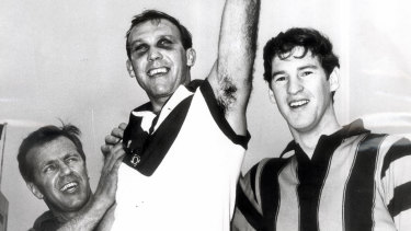 Bob Skilton is presented with the 1968 Brownlow Medal.