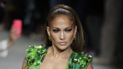Twenty years on, J-Lo shuts down the internet again in iconic Versace