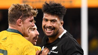 'I want to test myself': All Blacks star Savea flags NRL switch