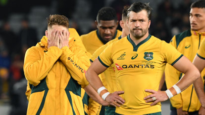 Dressing down to dressing room: Wallabies and All Blacks' hate on ice