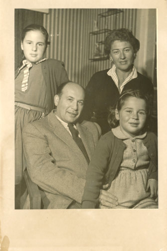 The Ash family at home in Melbourne's Murrumbeena in the 1950s (Eve at bottom right).