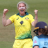 Women's Ashes: Kimmince's career haul rips through England