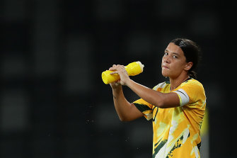 Sam Kerr made her first start of the Olympic qualifying tournament against China.