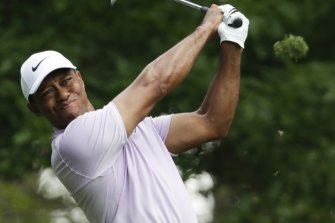 Tiger Woods has had surgery but says he expects to resume practice within a few weeks.