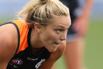 MELBOURNE, AUSTRALIA - JANUARY 16: Jess Hosking of the Blues in action during the AFLW pre-season match between the Carlton Blues and the St Kilda Saints at Ikon Park on January 16, 2021 in Melbourne, Australia. (Photo by Graham Denholm/Getty Images)