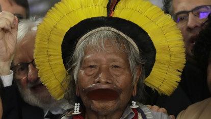 Amazon indigenous chief Raoni calls on Bolsonaro to step down