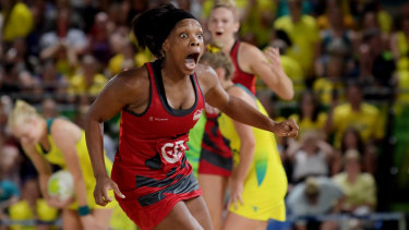 Eboni Usoro-Brown's England claim gold at the Commonwealth Games.