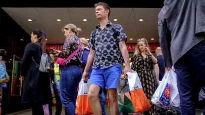Retailers put hopes on 'Super Saturday' after a soft week