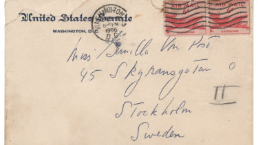 An envelope that John F. Kennedy addressed to a Swedish aristocrat a few years after he married Jacqueline Bouvier, according to Boston-based RR Auction.