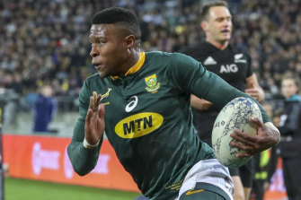 Aphiwe Dyantyi runs in to score one of his two tries against New Zealand in Wellington in September last year.