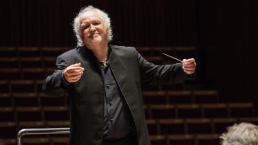 Donald Runnicles conducts the Sydney Symphony Orchestra.