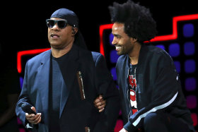 Stevie Wonder takes 'both knees' onstage after Donald Trump remarks