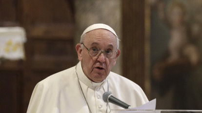 After property scandal, Pope tightens money controls