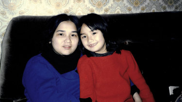 Alice with her mother, Kien, in Braybrook, 1987.