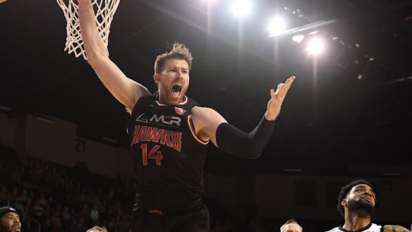 NBL referees unfairly target physical Conklin: Hawks coach