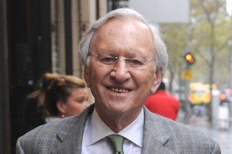'A great Australian and a treasure': Liberal Party stalwart Andrew Peacock dies