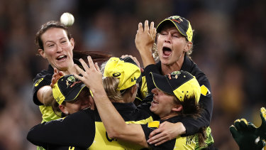 Meg Lanning wants the 'W' to be separate from 'BBL'.