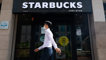 Among some telling cases on the effectiveness of masks is an instance of infection in a Seoul Starbucks.