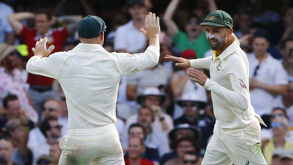 Aussies lose one early after Poms collapse before lunch
