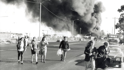 From the Archives, 1991: Black cloud smothers Melbourne from Coode Island fire