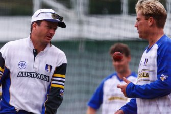Steve Waugh and Shane Warne at training in 1999.