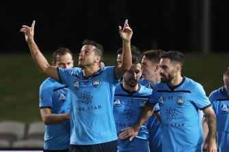 An early goal from Brazilian striker Bobo was the difference for Sydney FC against Melbourne Victory.