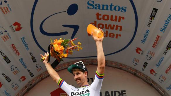 Sagan wins stage three as Tour Down Under heats up