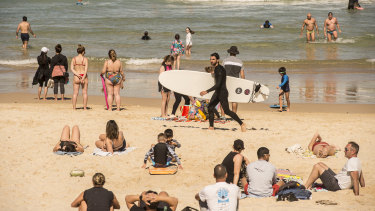 "Waverley Council is urging beachgoers to stay one ""towel-length"" apart."