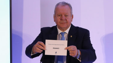 World Rugby chairman Bill Beaumont revealing in 2017 that France would host the 2023 Rugby World Cup.