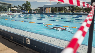 The COVID-19 restrictions on outdoor swimming pools have been criticised by Fairfield City mayor Frank Carbone.