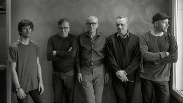 Teenage Fanclub, the 2019 edition (l-r): Euros Childs (keys), Norman Blake (vocals, guitar), Raymond McGinley (guitar, vocals), Francis Macdonald (drums), Dave McGowan (bass).