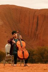 Cellist Richard Narroway at Uluru.