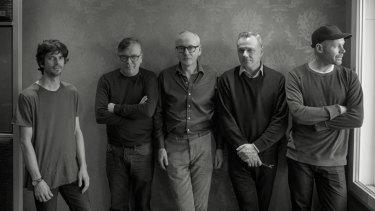 Teenage Fanclub, the 2019 edition (l-r): Euros Childs (keys), Norman Blake (vocals, guitar), Raymond McGinley (guitar, vocals), Francis Macdonald (drums), Dave McGowan (bass).