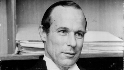 Sir Laurence Street remembered as an outstanding legal figure