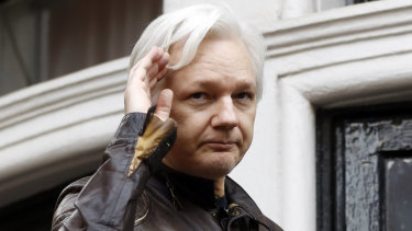 Fugitive Wikileaks founder Julian Assange has been issued with a new Australian passport.