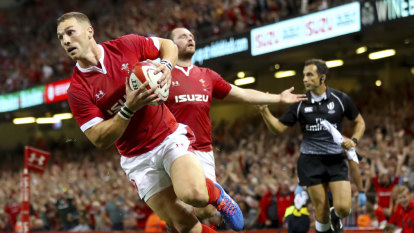 Wales knock off All Blacks from top spot after beating England