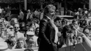 Jack Mundey protesting against the monorail in 1986.