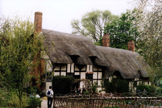 Anne Hathaway's cottage in Stratford-Upon-Avon. In Hamnet, Hathaway becomes Agnes.