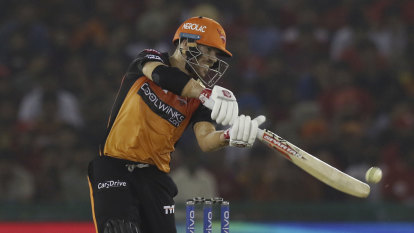 Warner continues strong form with the bat in IPL