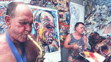 Bernie McGann in the studio with artist George Gittoes.