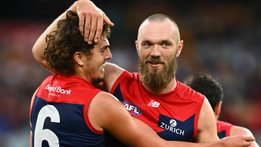 Melbourne have dominated the AFL Awards night with the Rising Star winner Luke Jackson (L) and captain of the All-Australian side, Max Gawn.