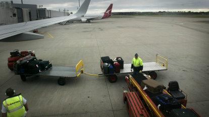 'Indecipherable' health order left NSW flight industry scrambling over who needs jabs