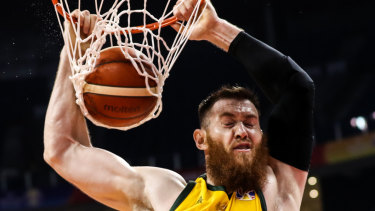 Aron Baynes makes no mistake against Dominican Republic.