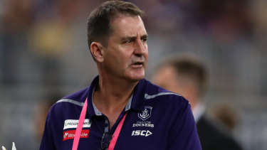 Fremantle coach Ross Lyon has said he's committed to the Dockers next season.